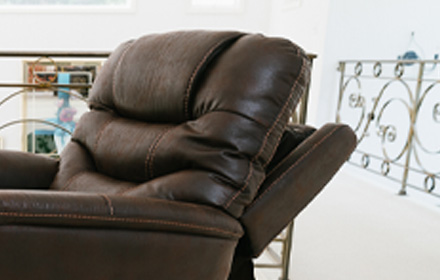 Maximum Comfort, Power Lift Recliners, Oasis Collection
